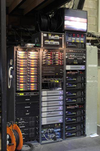 soldaat-van-oranje-main-amp_processing_mic-racks